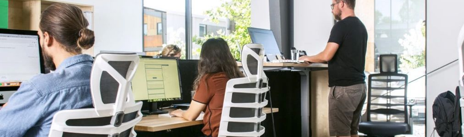 A Standing Desk: How to Select the Right One